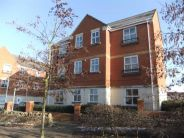 Flat to rent in Hallen Close...