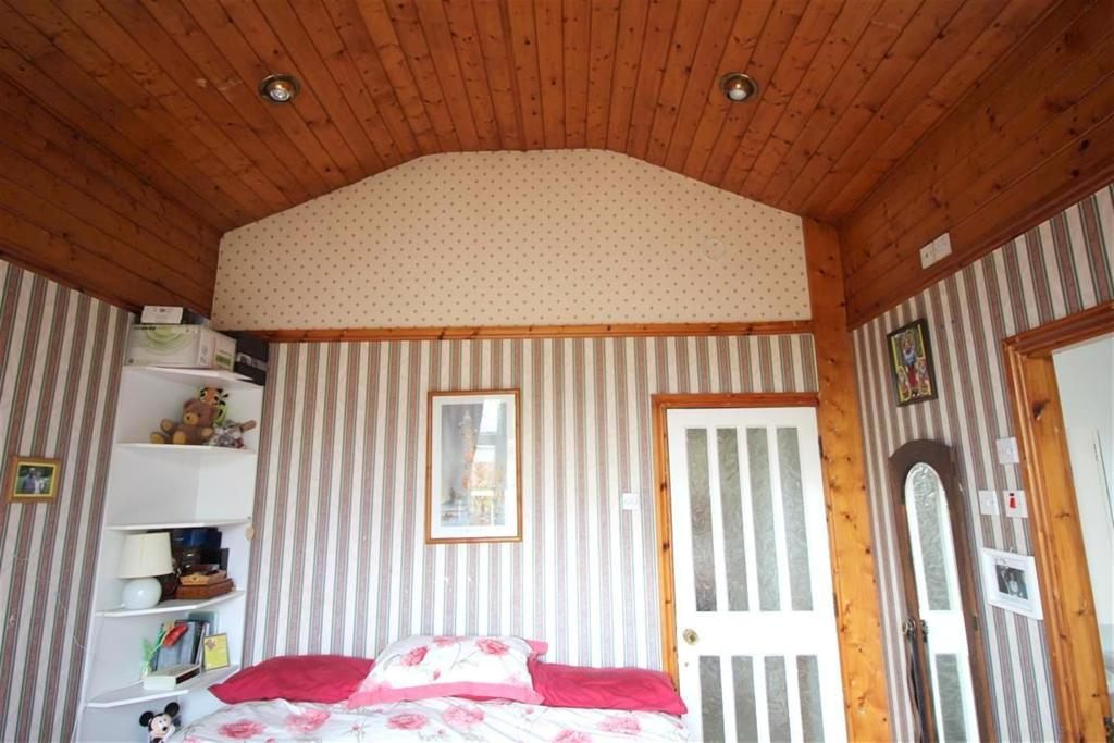 Master Bedroom Ceili