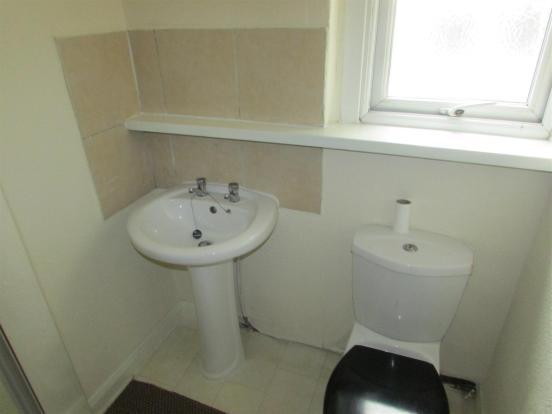 Flat2/ Bathroom