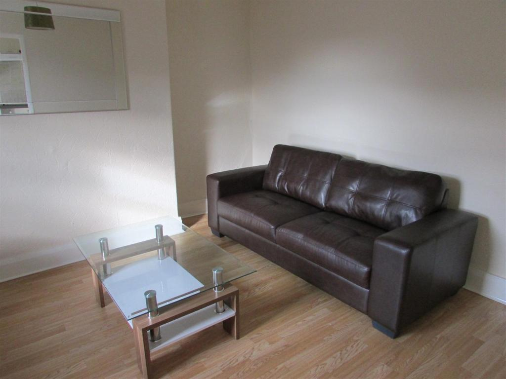 Lounge Alternate