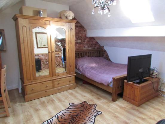 Top Bedroom 2nd