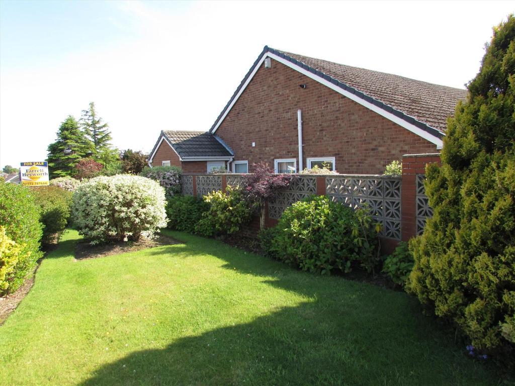 bedroom bungalow for sale in Kilworth Height, Fulwood, Preston, PR2