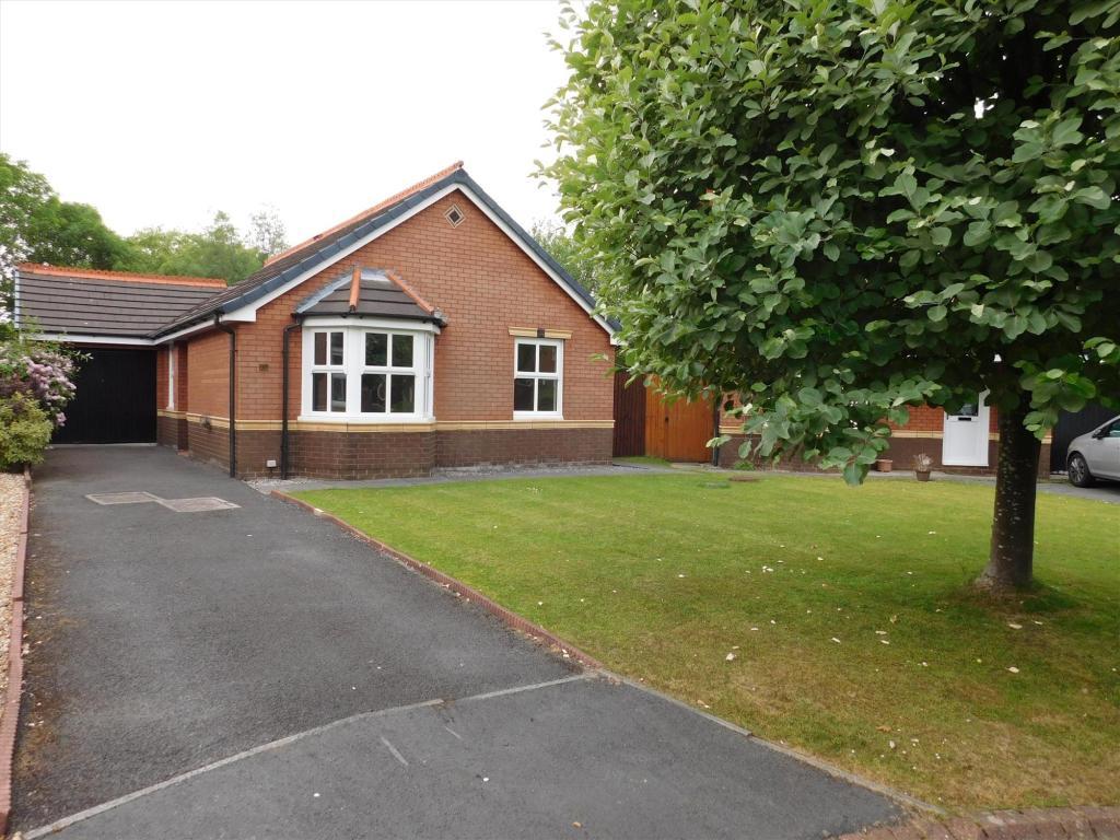 3 bedroom bungalow to rent in The Howgills, Fulwood ...