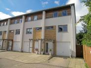 3 bed End of Terrace property in Broomhill Way, Hamworthy