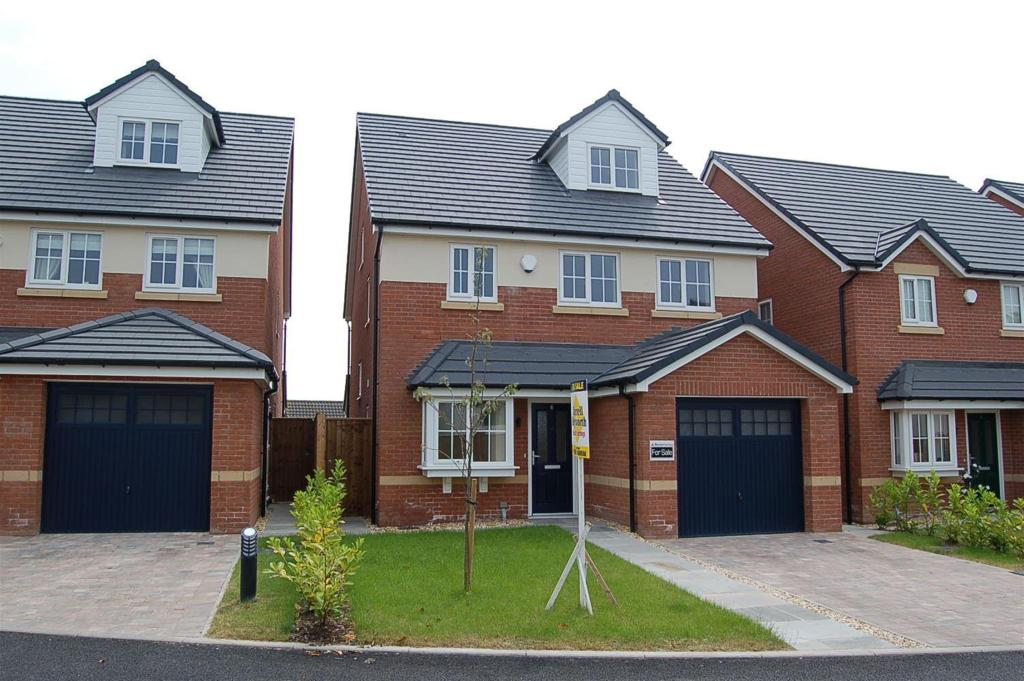 4 bedroom house for sale in orchard meadows elswick