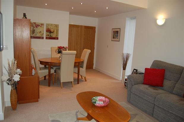 Lounge Dining Room (