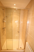Double Shower, En-Suite