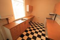 3 bed Terraced house in West End Avenue, Bentley