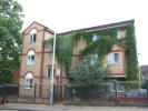 2 bed Flat in Dunstable Road, Luton...