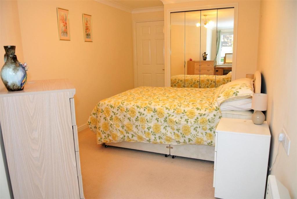 bedroom reverse.jpg