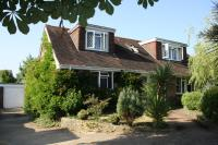 4 bed Bungalow for sale in Stable Lane, Findon...