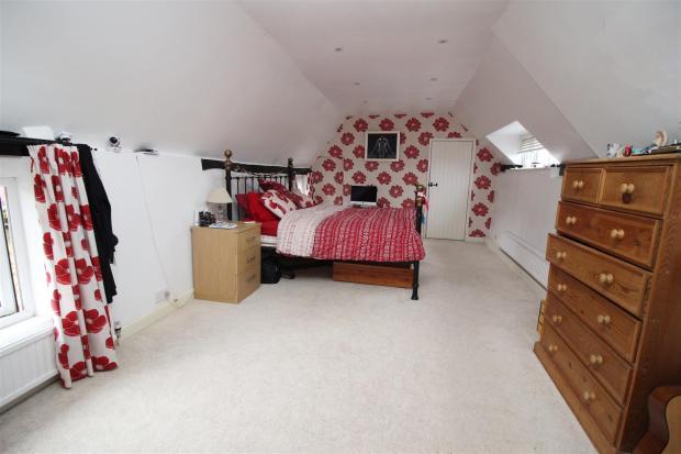 IMG_0623 Bedroom 1.J