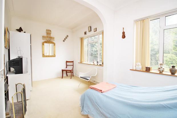gfloor bedroom.JPG