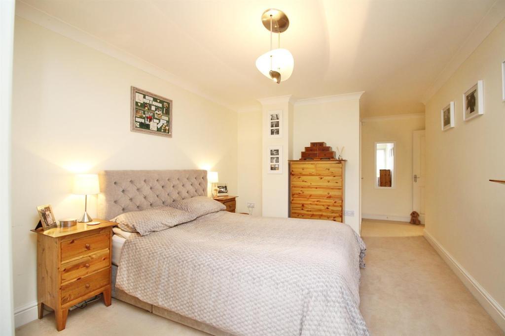 Bedroom 1, 2.JPG