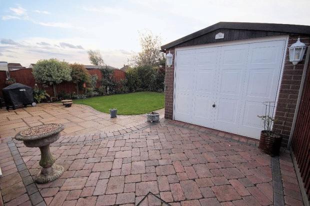 Garden/ Garage