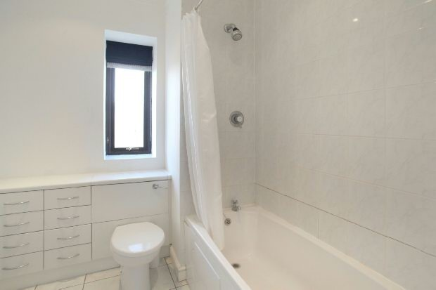 En Suite Bathroom 5
