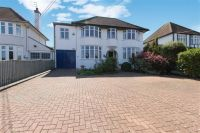 5 bedroom Detached home in Eynsham Road, Botley...