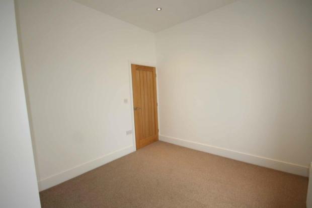 Bedroom One (photo1)