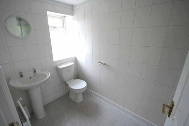 Shower Room (photo 1