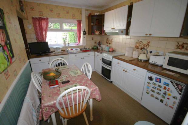 Kitchen (Pic1)