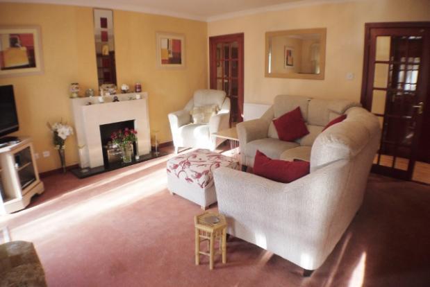 3 bedroom mews house for sale in nursery lane kilmarnock for Living room kilmarnock