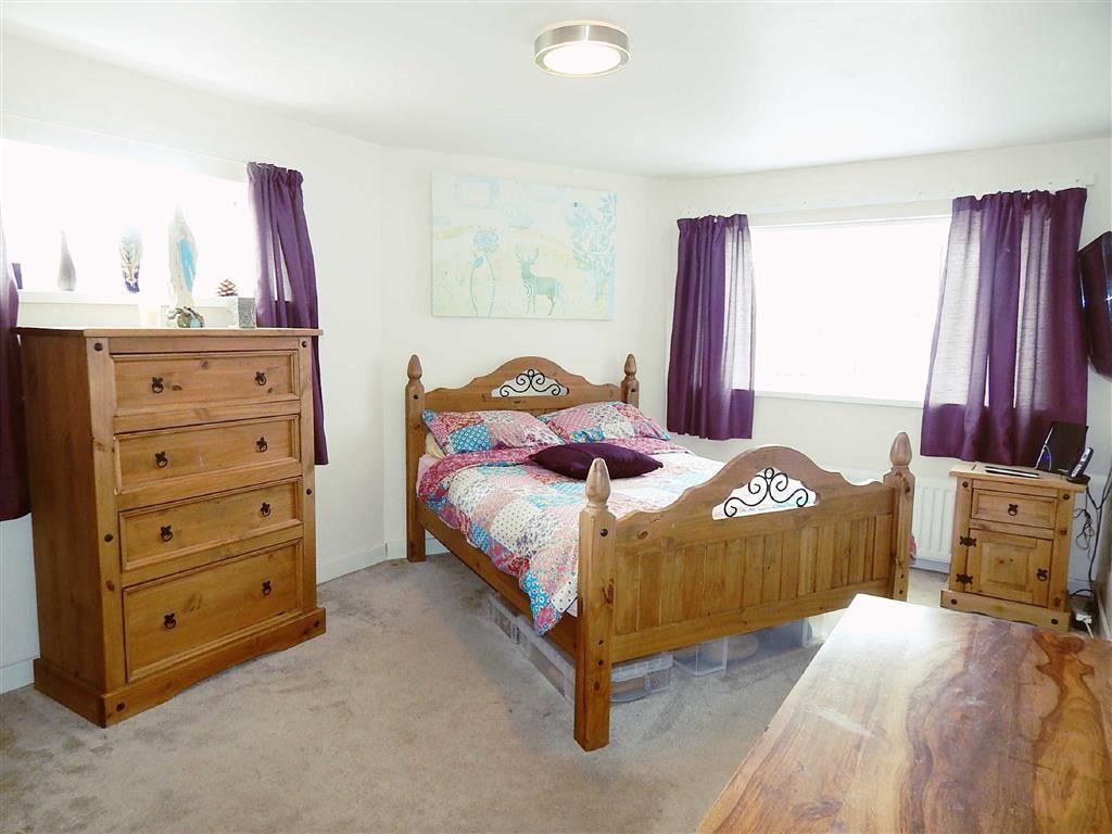 Bedroom One (extensi