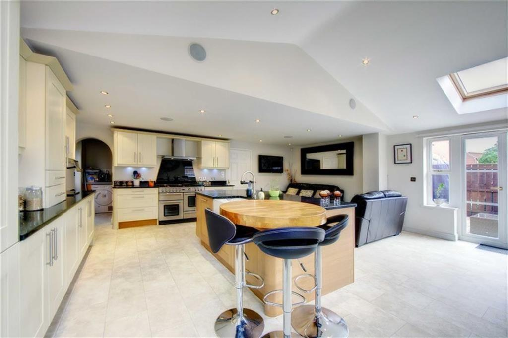 Kitchen/Family & Din