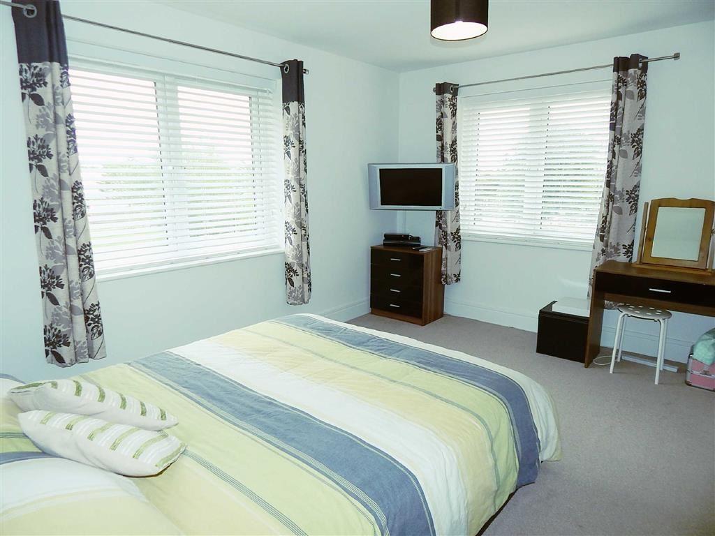 Master Bedroom & Dre