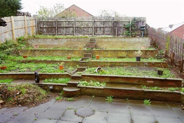 Garage & Gardens