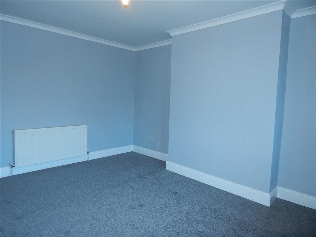 One Double Bedroom