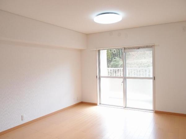 3 bedroom Flat in Mie, Hakusan