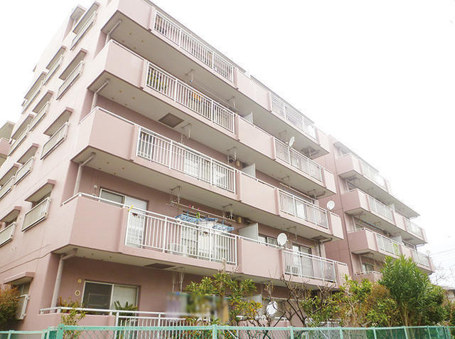 3 bed Flat for sale in Japan