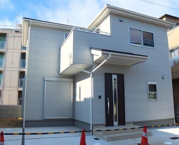 4 bedroom home in Hyogo