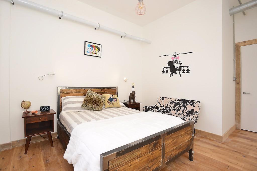 Vanquish,Secondary Bedroom