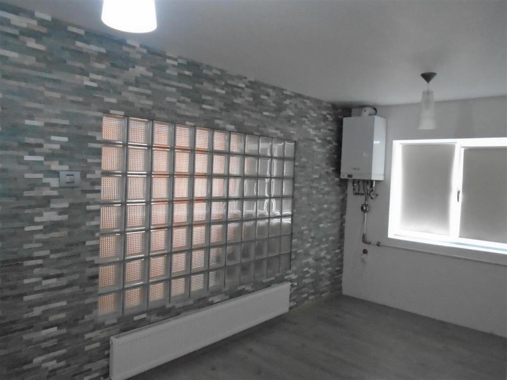 4 bedroom Flat for sale in Caras-Severin, Resita