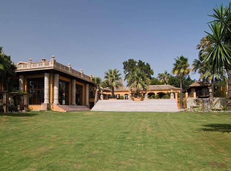 13 bedroom Villa for sale in Andalucia, Malaga...