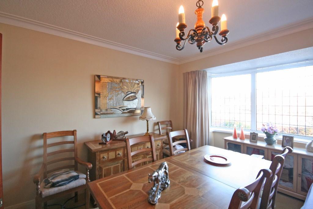 Bedroom2/dining room