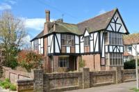 4 bed Detached property in Sandwich Road...