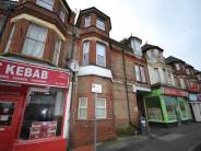 Flat to rent in Holdenhurst Road...