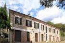 6 bedroom Detached property in Licciana Nardi...