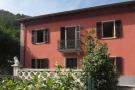 Village House for sale in Fivizzano, Lunigiana...