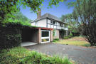4 bed Detached house in Old Hall Drive, Pinner