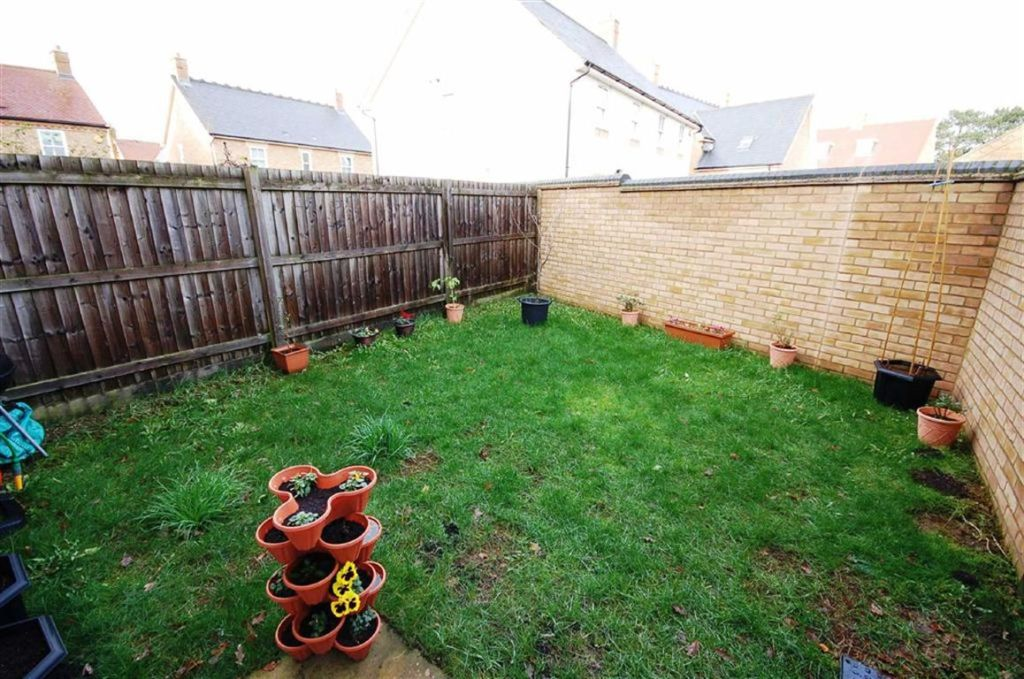 3 Bedroom House For Sale In Faraday Gardens Stotfold Hertfordshire Sg5