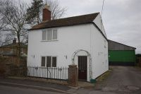 property to rent in High Street, Walcott