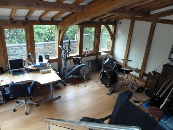 MUSIC ROOM/STUDY