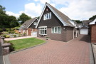2 bedroom Detached property in Burns Close, Kidsgrove...