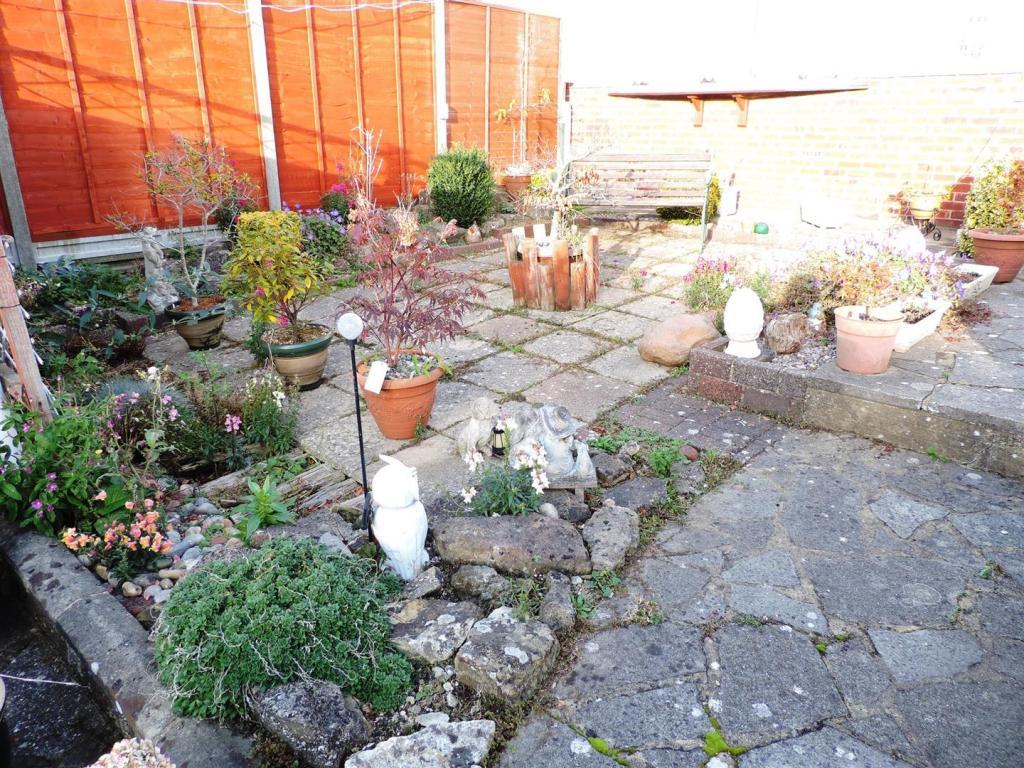 garden2 5 North Lane