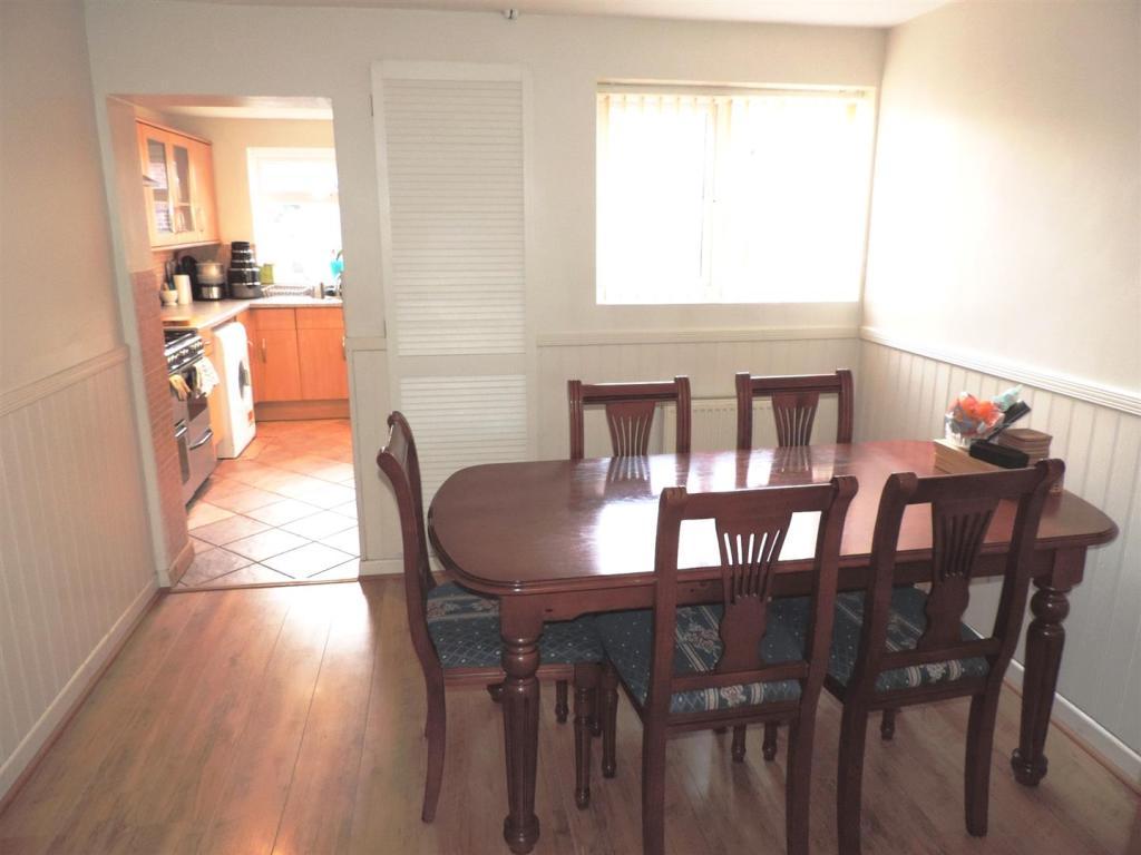 dining room1.JPG