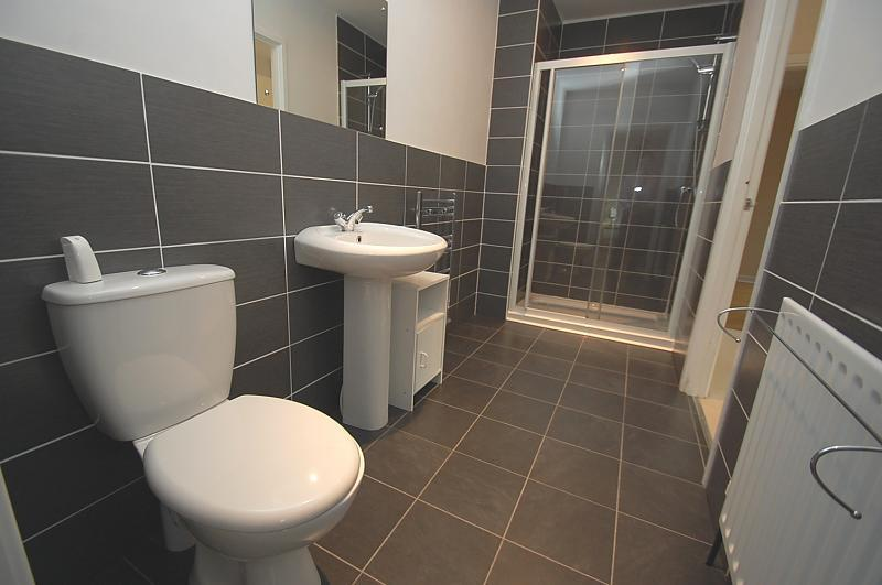 4 bedroom bungalow for sale in hall drive burton on the for Jack and jill bathroom with hall access