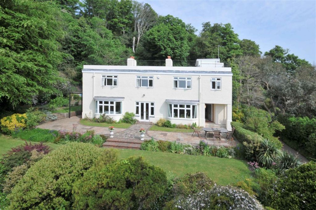 6 Bedroom Detached House For Sale In The Undercliff